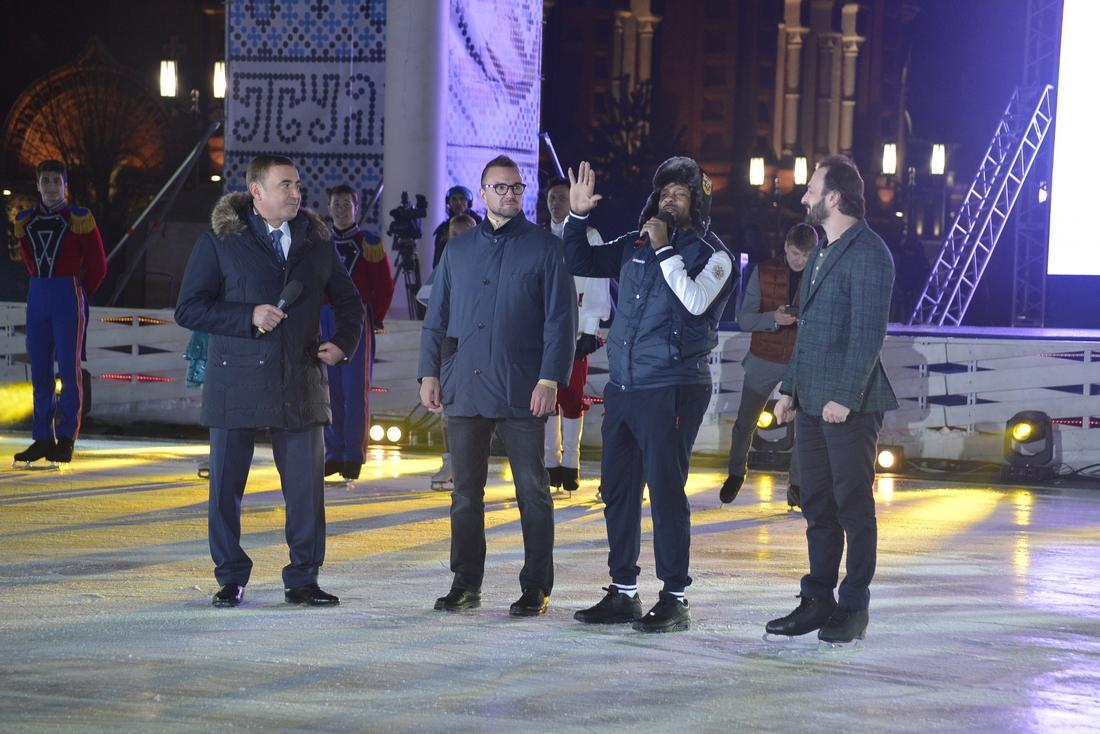 Звёзды фигурного катания на открытии Губернского катка: ФОТО