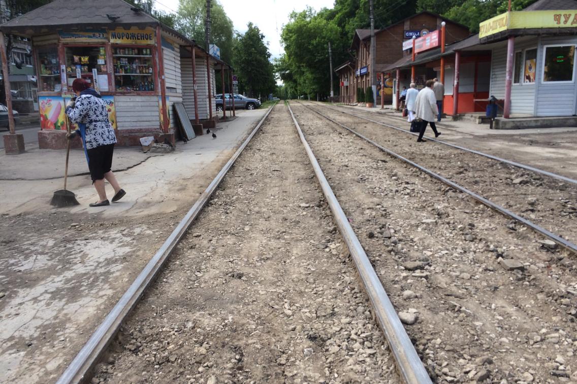 Ремонт путей на Жаворонкова: ФОТО