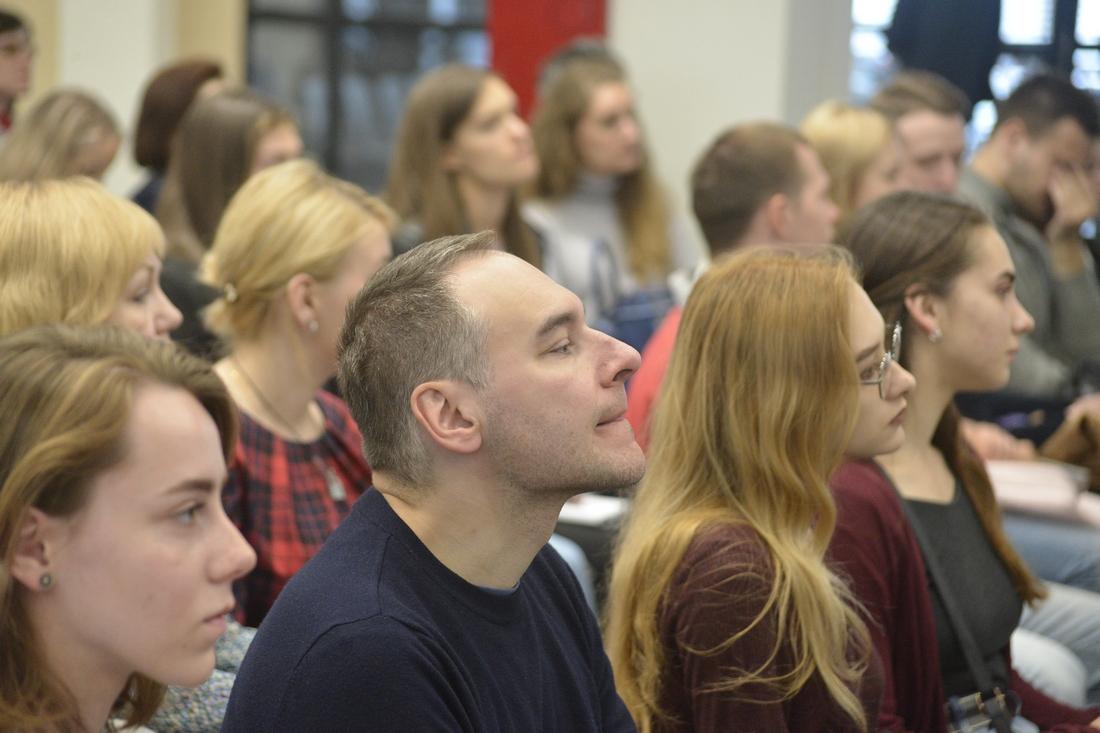 Лекция Фёклы Толстой: ФОТО