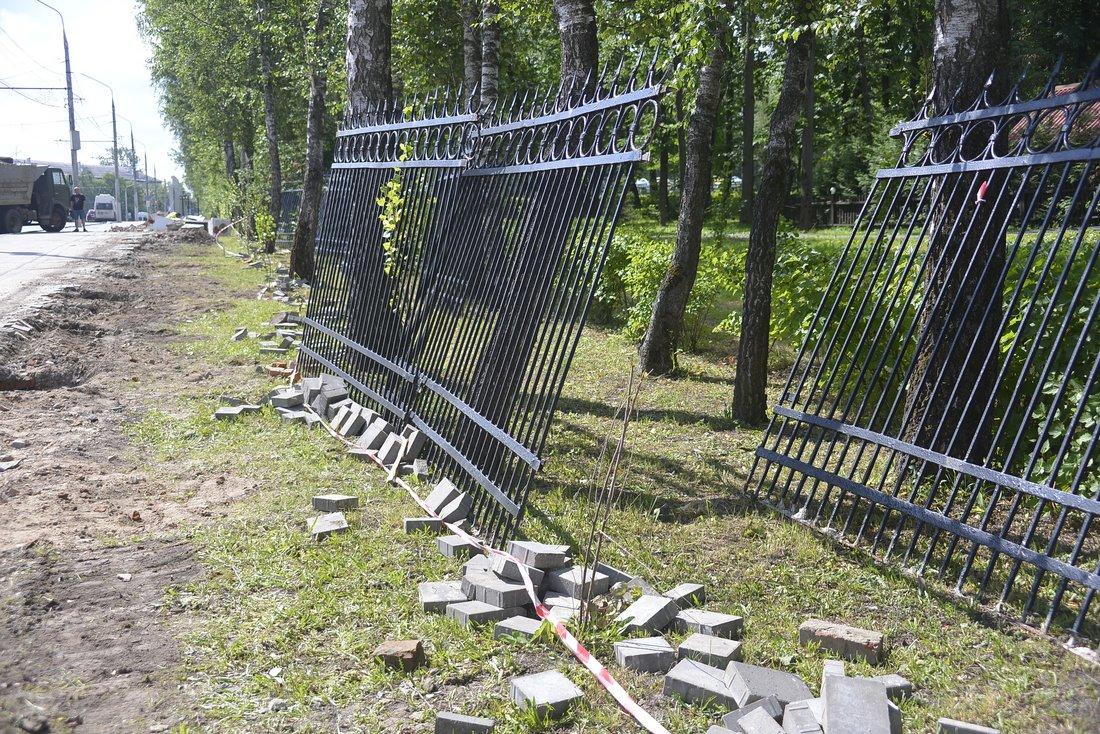 Благоустройство Комсомольского парка: ФОТО