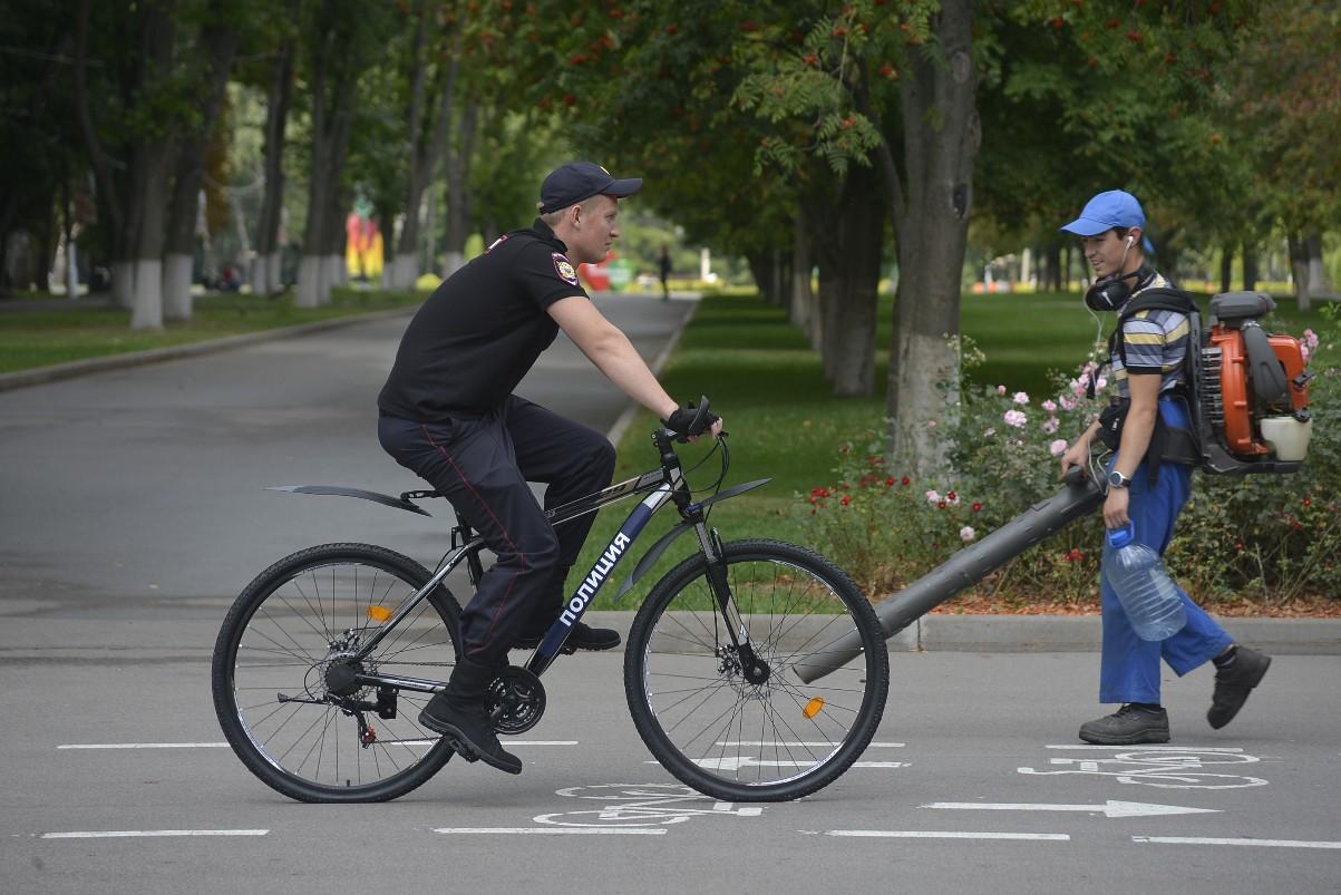 Велопатруль в парке: ФОТО