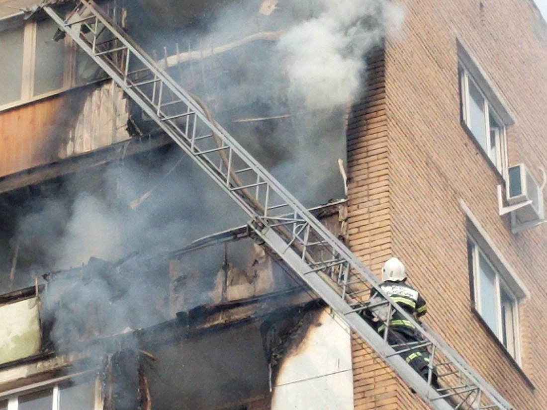 Пожар на пр. Ленина 137: ФОТО