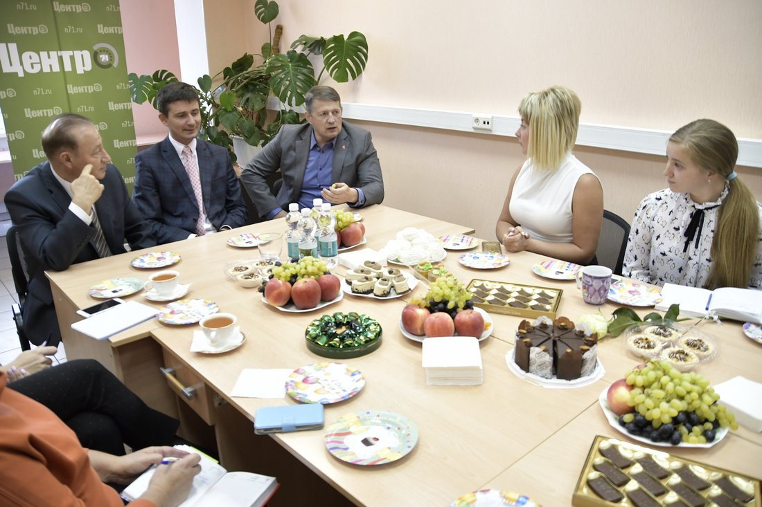"Юрий Цкипури и Евгений Авилов поздравили ""Центр-71"" с юбилеем"
