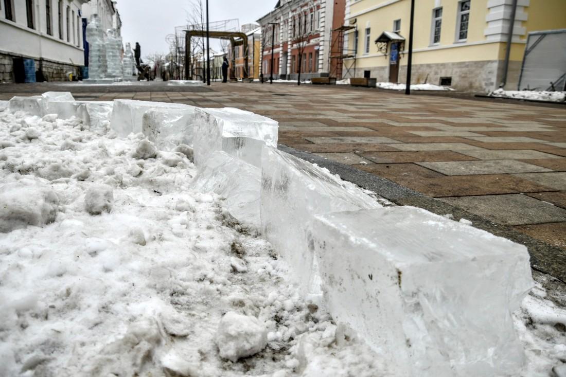 Создание ледяных скульптур: ФОТО