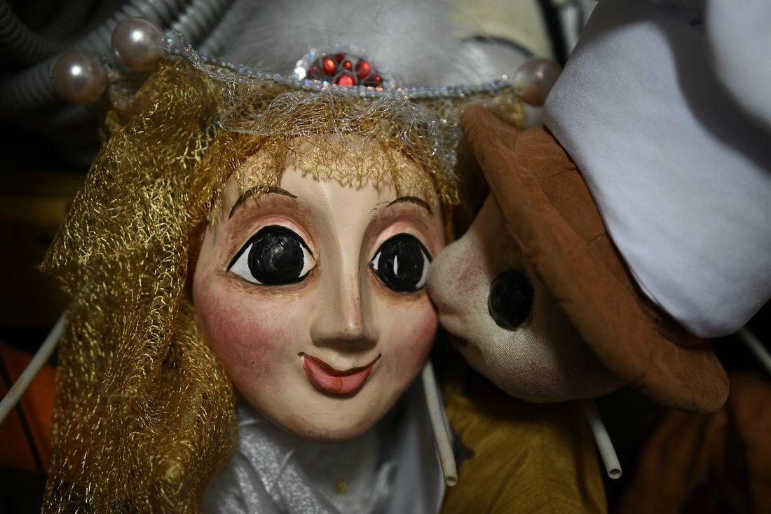 За кулисами Театра кукол: ФОТО