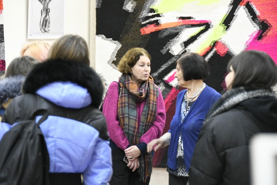 """Выставка гобеленов """"За мир"""": ФОТО"""