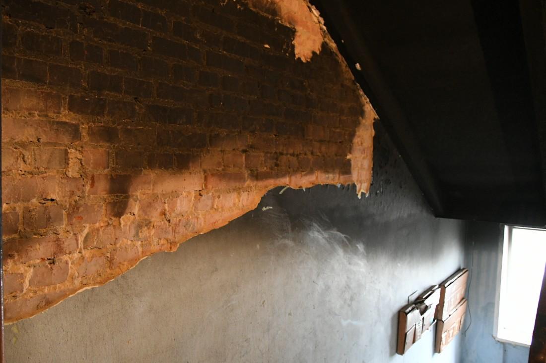 На Калинина выгорела квартира, погибли люди: ФОТО