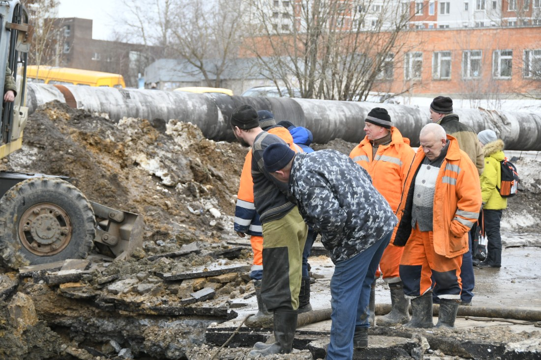 Коммунальная авария на Хворостухина: ФОТО
