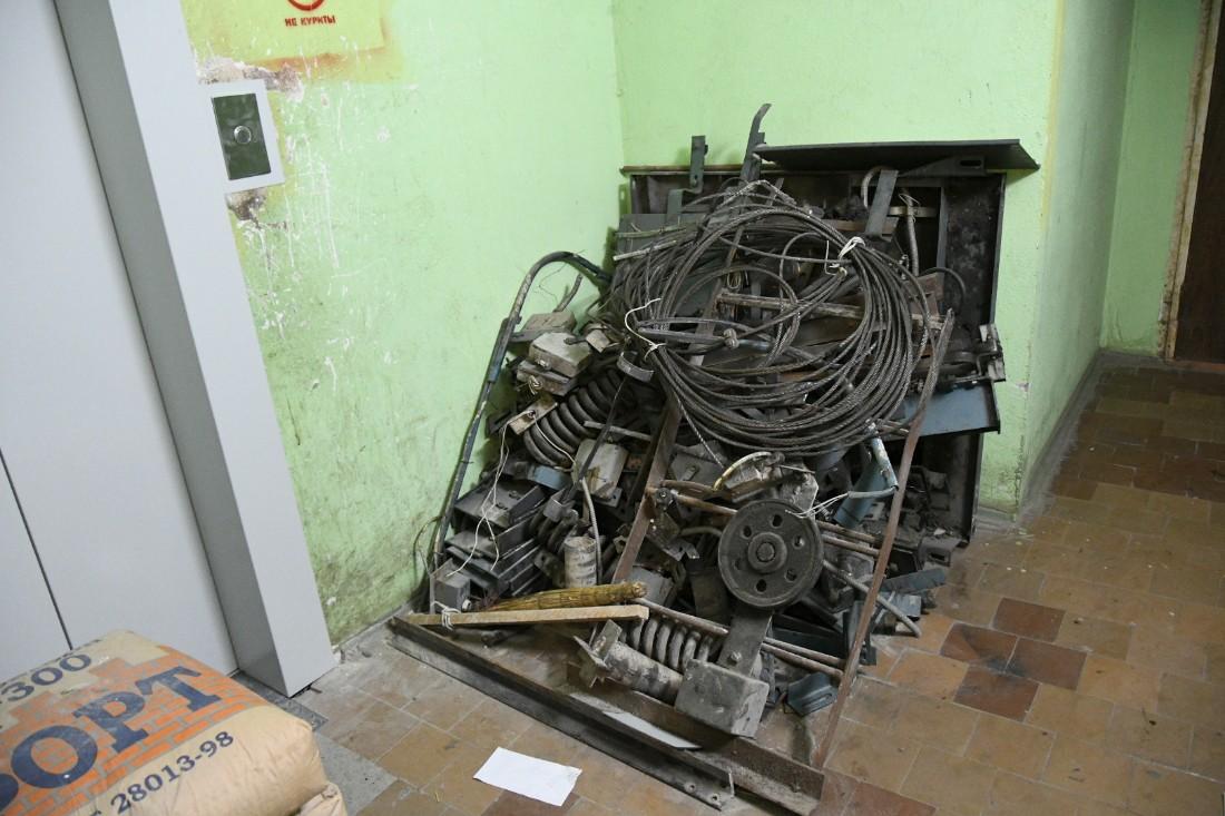 Замена устаревших лифтов: ФОТО