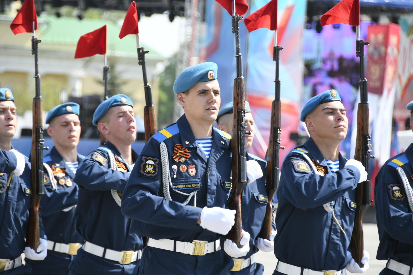 Парад Победы состоялся в Туле. ФОТОРЕПОРТАЖ