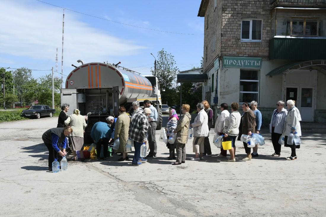Раздача воды в Центральном округе: ФОТО