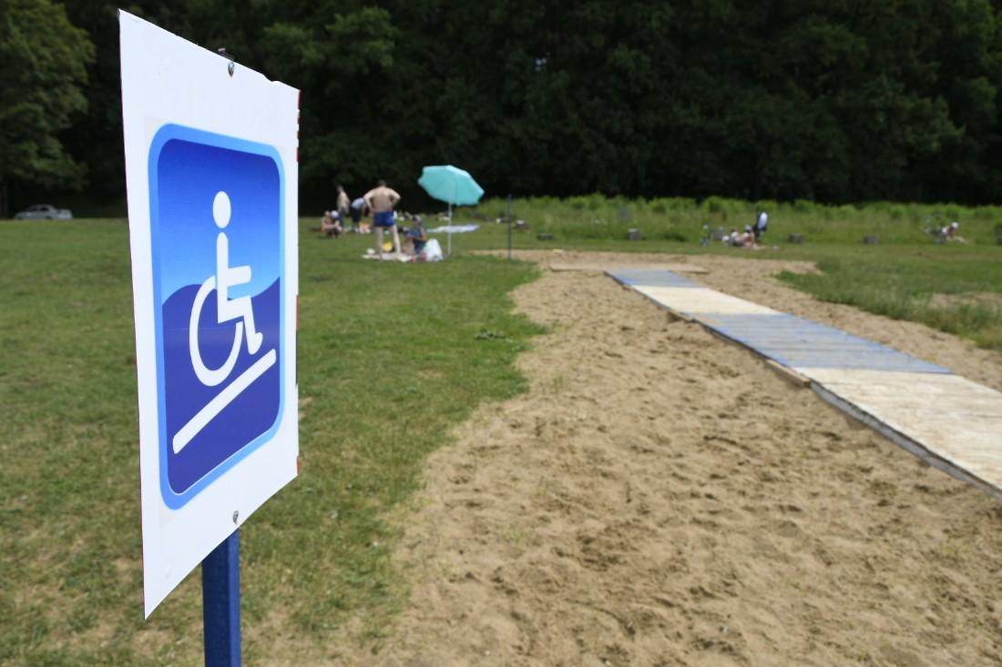 Благоустройство пляжа на Воронке: ФОТО