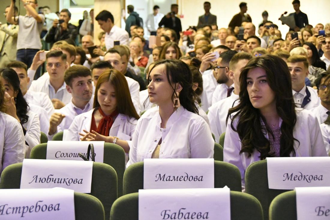 Выпуск в белых халатах ТулГУ: ФОТО