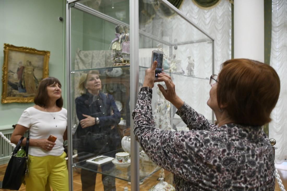 Открытие выставки Мейсенского фарфора: ФОТО