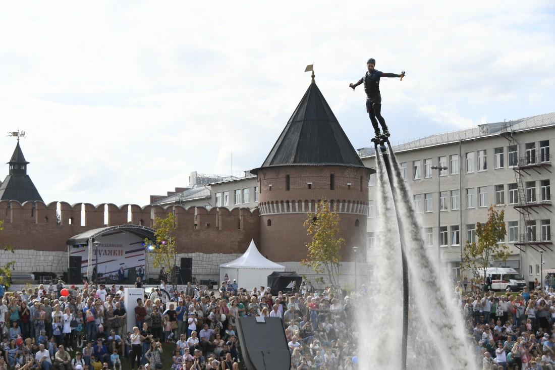 Аквашоу на Казанской набережной: ФОТО