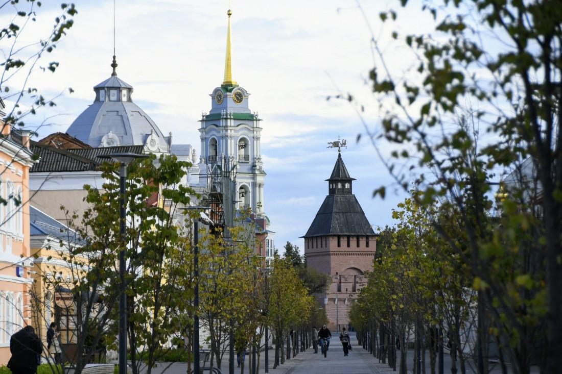 Улица Металлистов вновь в лесах: ФОТО