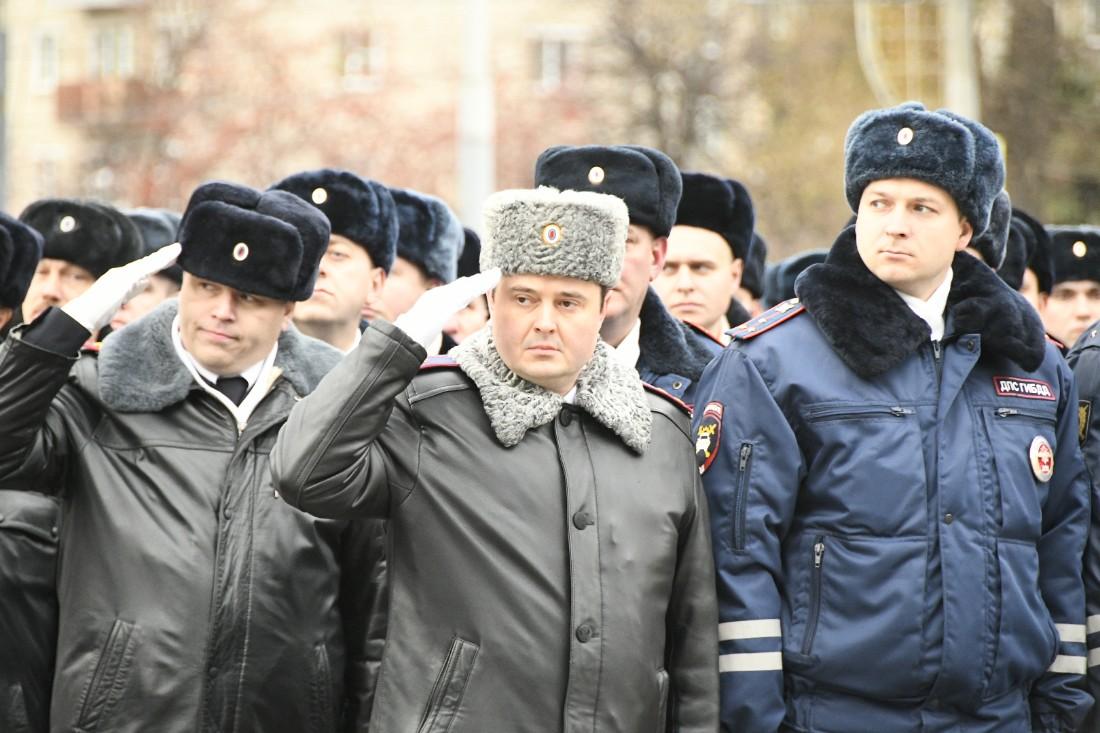 Парад ко Дню сотрудников УМВД: ФОТО