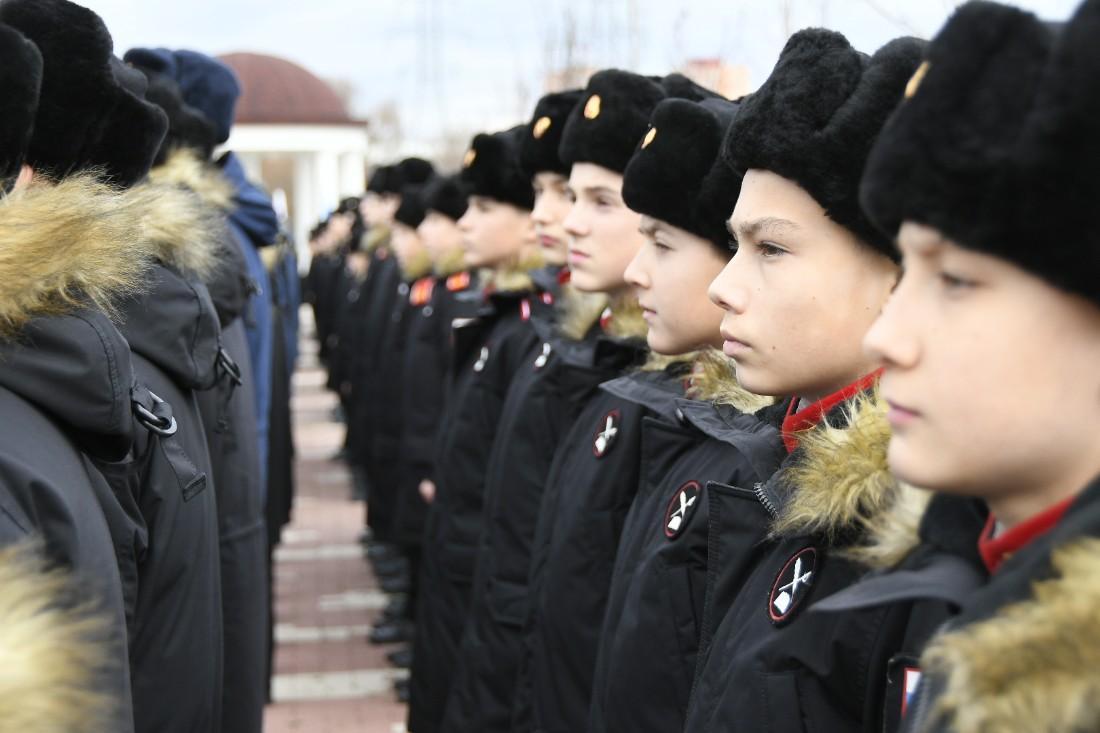 Открытие Аллеи выпускников в Суворовском училище: ФОТО