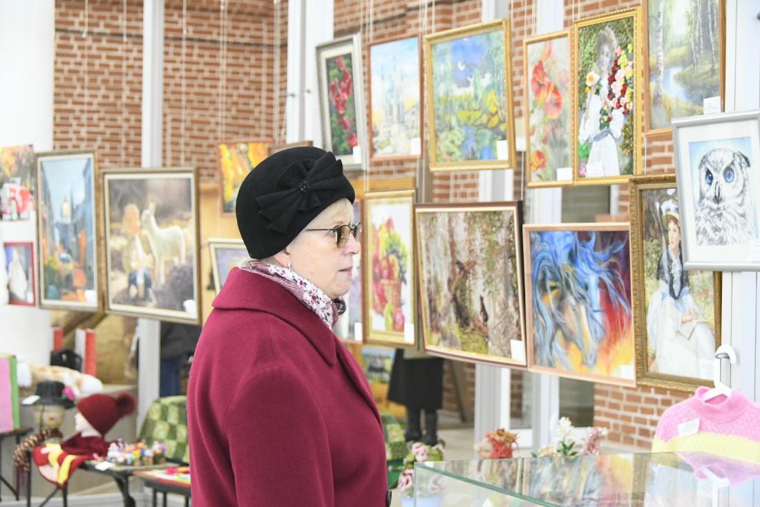 Выставка творчества инвалидов: ФОТО
